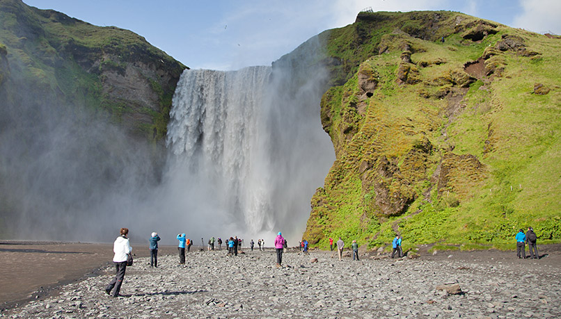 Wiei-iceland-walking